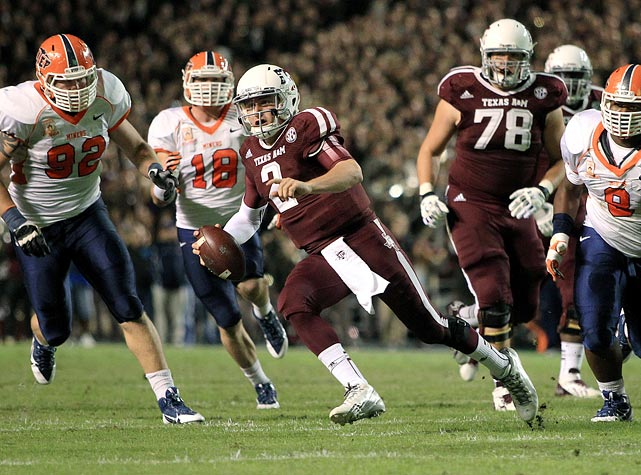 Manziel runs the ball upfield during Texas A&M's 57-7 win over UTEP on Nov. 2, 2013.