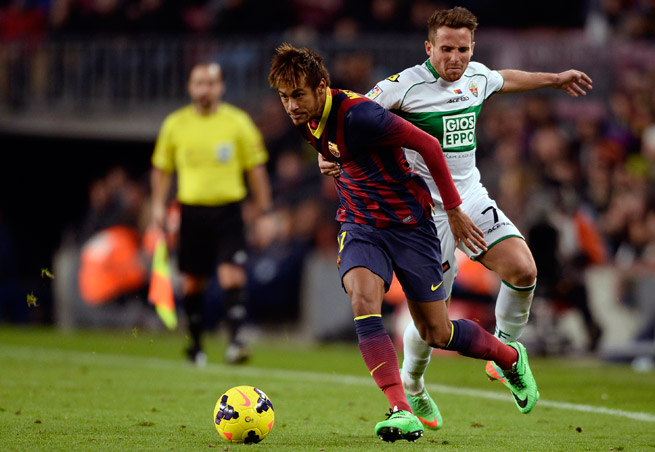 Barcelona star Neymar has returned to training after sitting out with a sprained ankle.
