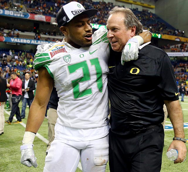 Patterson set the tone for the Alamo Bowl by returning an interception 37 yards for a touchdown less than two minutes into the game. He also added nine tackles to send longtime Ducks defensive coordinator Nick Aliotti out with a 30-7 win over Texas.