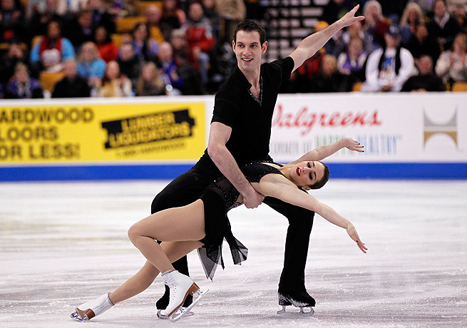 Simon Shnapir and Marissa Castelli are looking to defend their title at the U.S. championships.