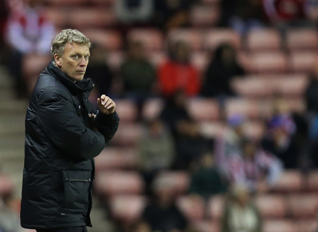 David Moyes criticized referees following a League Cup loss to Sunderland and was fined by the FA as a result.