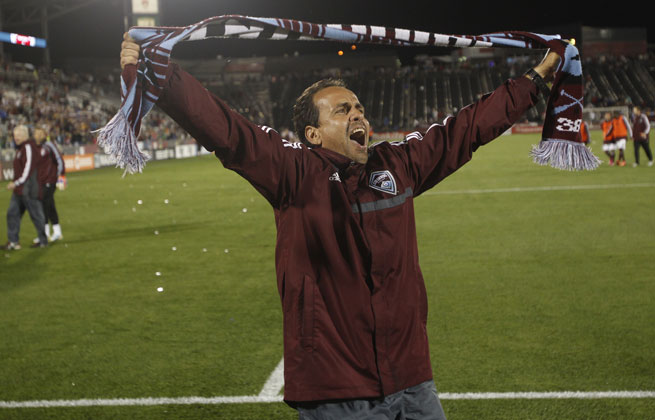 Oscar Pareja leaves the Colorado Rapids after having a 25-30-13 record.