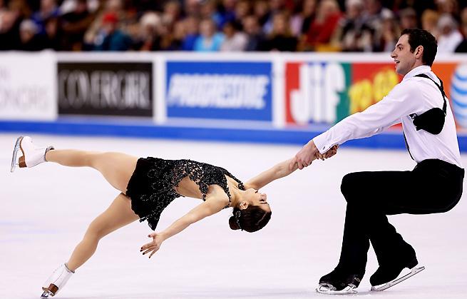 Simon Shnapir and Marissa Castelli impressed during their routine on Saturday in Boston.