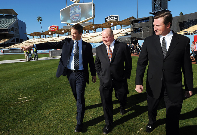 Kings business ops pres. Luc Robitaille, Ducks coach Bruce Boudreau, and Wayne Gretzky took a tour.
