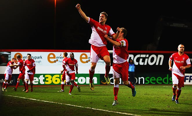 Kidderminster will face Sunderland in the FA Cup's 4th round after defeating Peterborough 3-2.