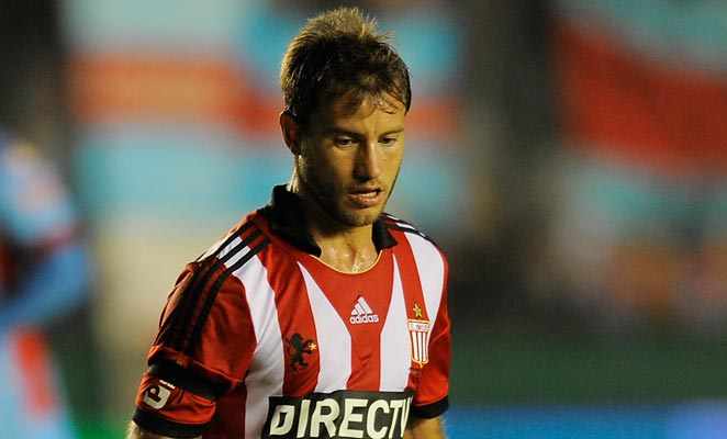 Gaston Fernandez most recently played for Estudiantes de La Plata in the Argentinian first division.