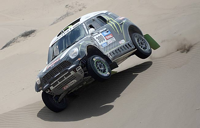 Dakar leader Stephane Peterhansel surely knows what he's dune in the world's toughest rally.