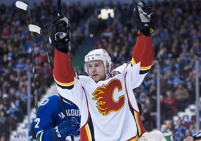 The Flames rewarded center Matt Stajan with a comfortable four-year contract extension.