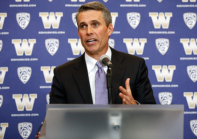 After going 92-12 as the coach at Boise State, Chris Petersen takes over as Washington's new coach.