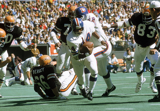 Floyd Little was a versatile, skilled player for Denver from 1967 to 1975. His primary position was running back, but Little also exceled catching passes out of the backfield and returning kicks and punts. On the ground, Little led the league in rushing yards in 1971 with 1,133, his best year on the ground. He was named to five Pro Bowls and one first-team All-Pro squad. Little was inducted into the Pro Football Hall of Fame in 2010.