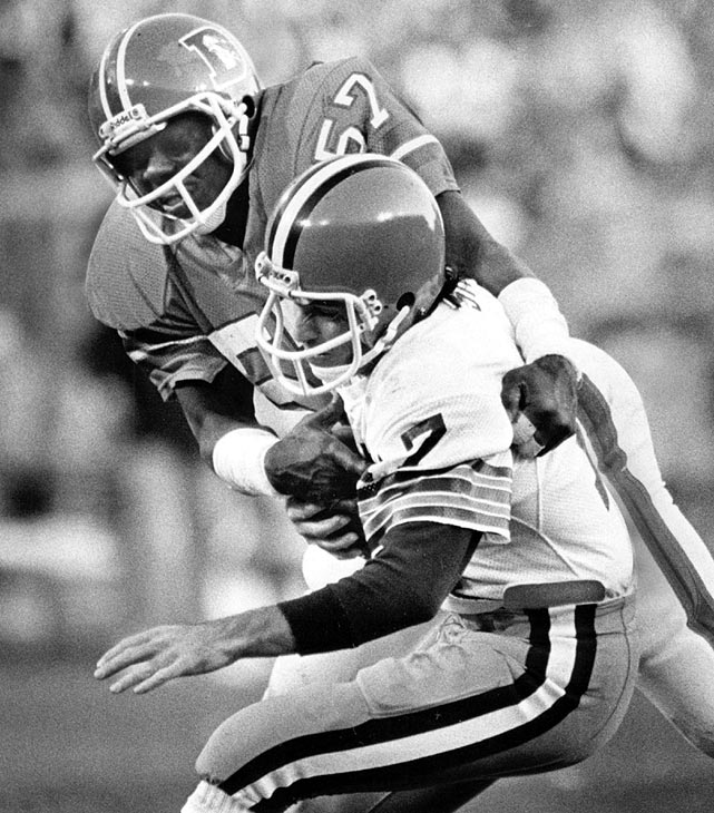 Today, Tom Jackson is probably best known for his role on ESPN, breaking down highlights with Chris Berman. But when he was a player, Jackson was a very good linebacker for Denver for 14 years. He was a three-time Pro Bowl pick and one-time first-team All-Pro. He was also good in coverage, even racking up seven interceptions in 1976.