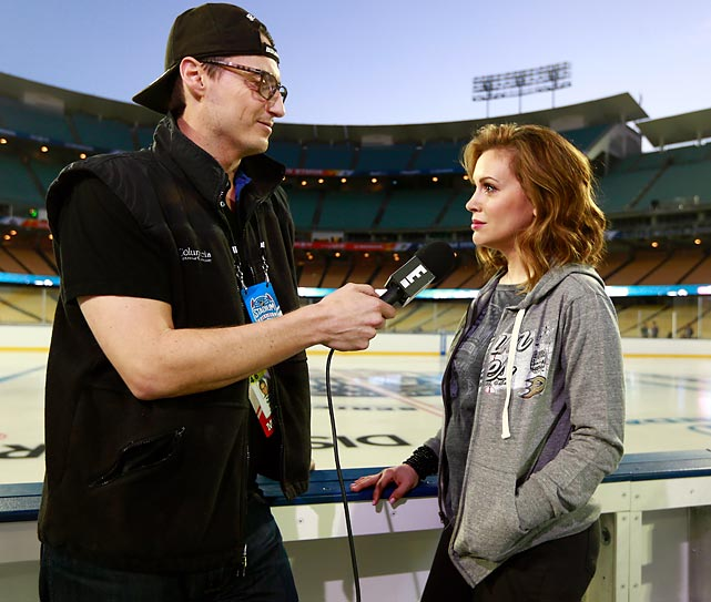 Meanwhile at Dodger Stadium, the E! reporter extracted a few pithy remarks from the noted actress before the big NHL Stadium Series game between the LA Kings and Anaheim Ducks on January 25.