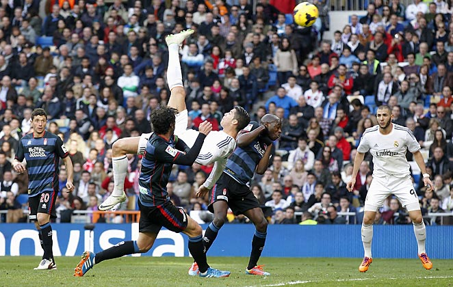 Cristiano Ronaldo didn't score on this bicycle attempt, but did get a goal vs. Granada on Saturday.