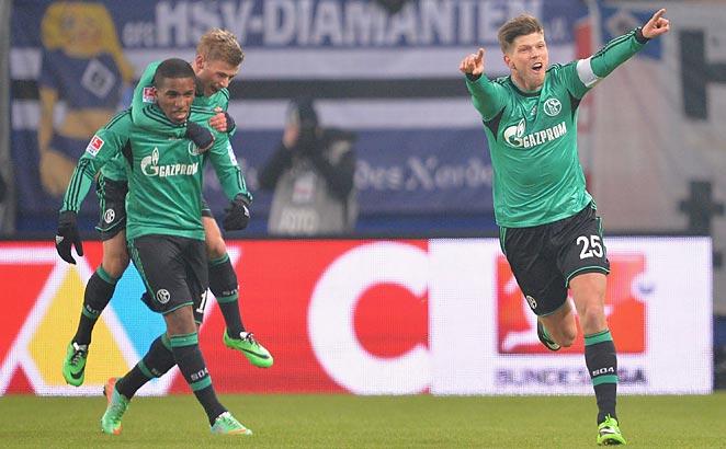 Klass-Jan Huntelaar scored after a lengthy injury layoff to lead Shalke to a win vs. Hamburg.