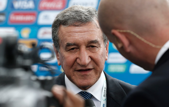 Brazil assistant coach Carlos Alberto Parreira has blasted his country's World Cup preparations.