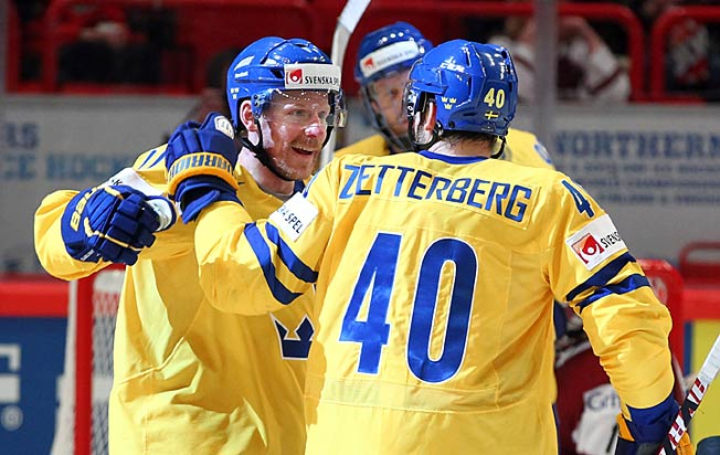 Daniel Alfredsson and fellow Red Wing Henrik Zetterberg will play for Team Sweden in Sochi.