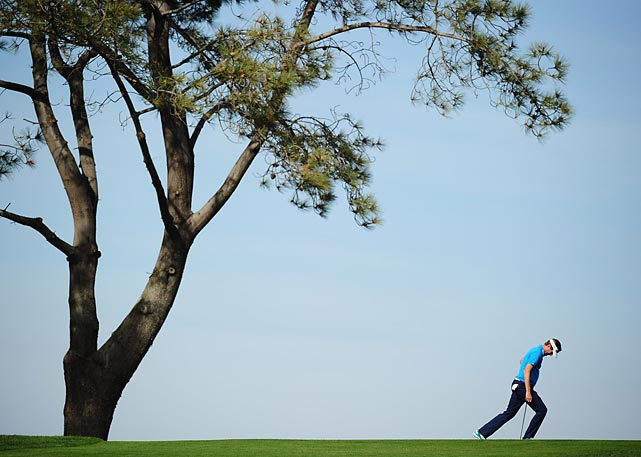 David Lynn examines the course at Torrey Pines during the first round of the Farmers Insurance Open. Lynn finished the tournament at +2, tied for 55th place.