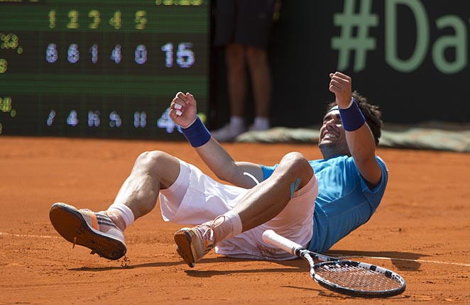 Fabio Fognini's win was the key for Italy to move past Argentina and into the quarterfinals.