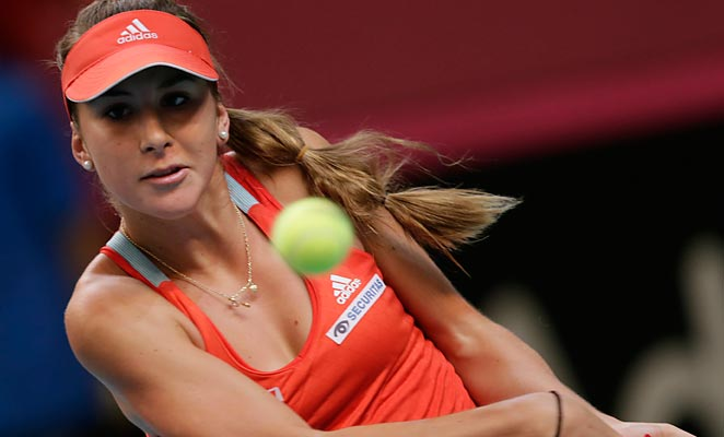 Belinda Bencic won her match in an upset to even the scores with France in the Fed Cup on Saturday.