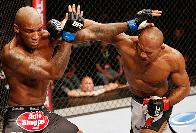 Ronaldo Souza (right) beat Francis Carmont via unanimous decision at UFC Fight Night 36.