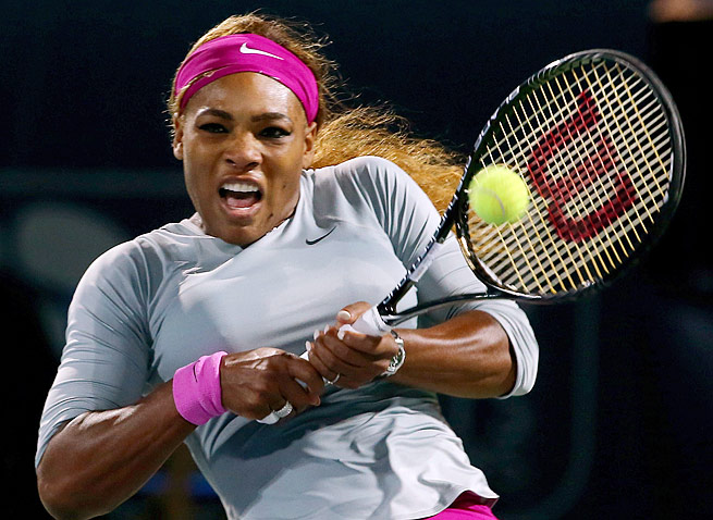 Serena Williams overcame a slow start to beat Ekaterina Makarova at the Dubai Championships.