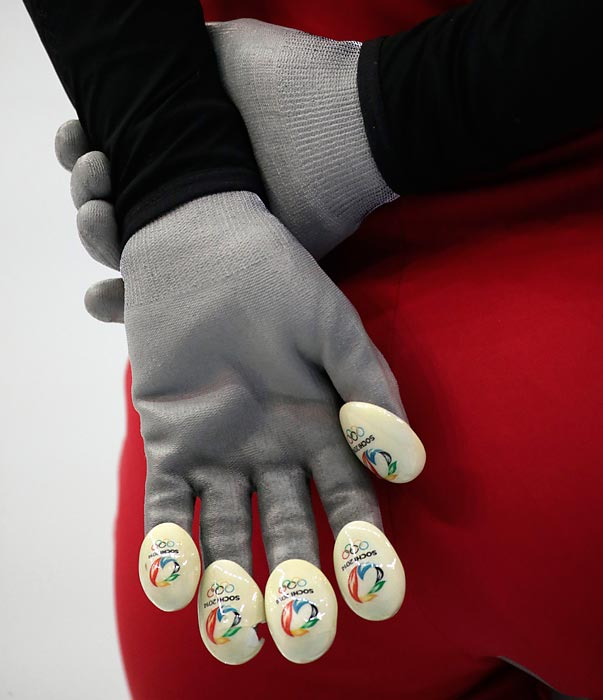 For completing this week's gallery, we give you a hand ... which happens to be property of a Chinese short track speedskater.