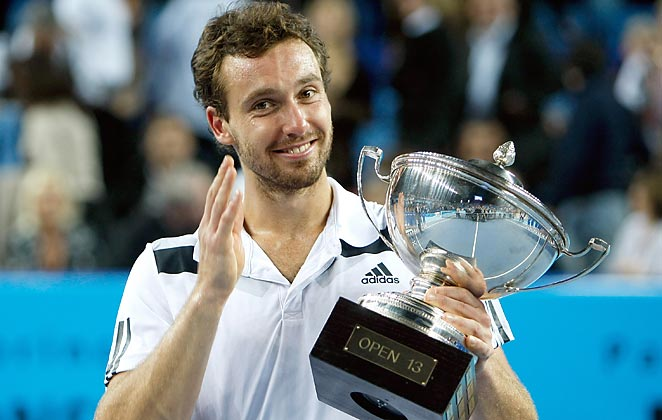 Ernests Gulbis stayed perfect in finals in defeating Jo-Wilfried Tsonga in the Open 13 championship.
