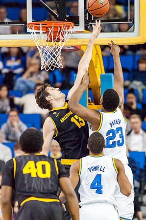 Jordan Bachynski is averaging 4.4 blocks per game for the Sun Devils.