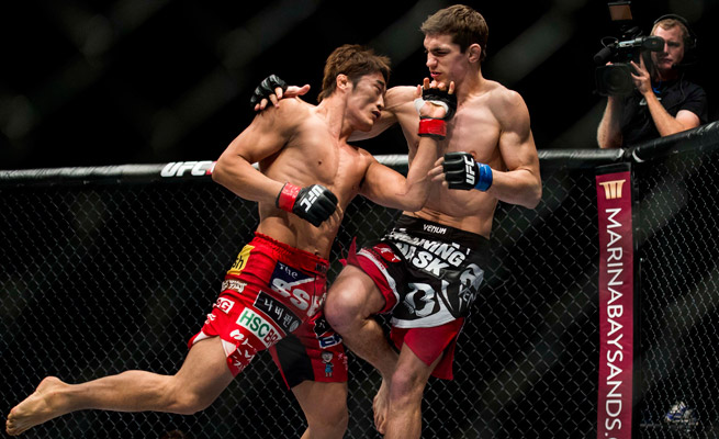 Dong Hyun Kim (L) knocked out John Hathaway in Macau in what were the early-morning hours in North America.