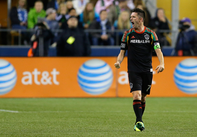 Robbie Keane has signed a multi-year extension with the LA Galaxy.
