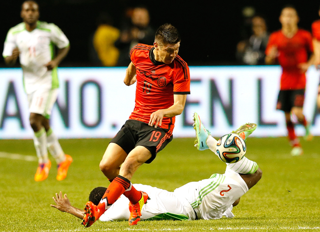 Oribe Peralta (19) and Mexico will host Israel on May 26 at Estadio Azteca.