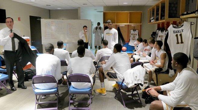 Gregg Marshall addresses the Shockers before their opening round game against Evansville.