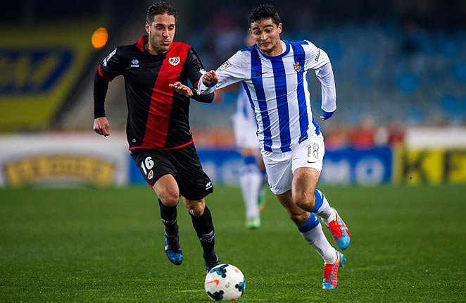 Ruben Rochina (left) scored the winner for Rayo Vallecano, which rose a little further at the foot of La Liga.