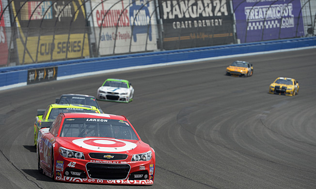 Kyle Larson's bold moves nearly yielded a victory, but he finished an impressive second at Fontana.