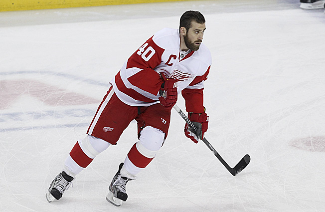 Captain Henrik Zetterberg has to hope his teammates keep the Red Wings' playoff streak alive.