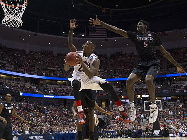 Rondae Hollis-Jefferson works to get up a shot on a night when he fouled out with 4:42 to play.