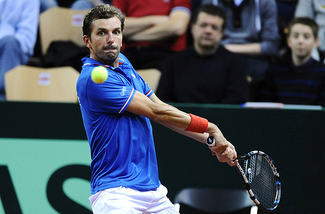 Julien Benneteau and the rest of the French Davis Cup team should easily defeat injury-riddled Germany.