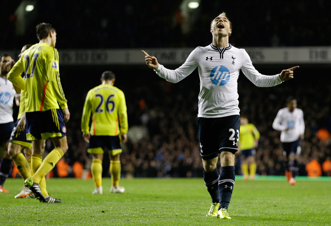 Tottenham's Christian Eriksen (23) celebrates his goal in Spurs' 5-1 rout of Sunderland on Monday.