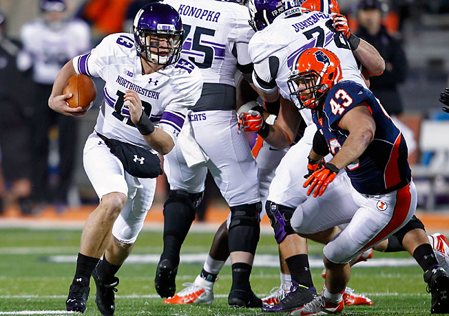 Despite opening 4-0 last season, QB Trevor Siemian (13) and Northwestern finished a forgettable 5-7.