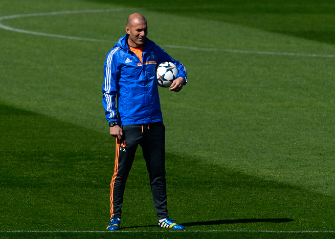 Real Madrid assistant manager Zinedine Zidane put his hat in the ring to coach France in 2012 but was turned down.