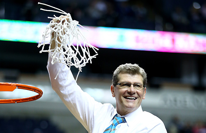 """Geno Auriemma on if he's the best coach of all time: """"Every coach who coaches great players thinks their players are the best ever."""""""