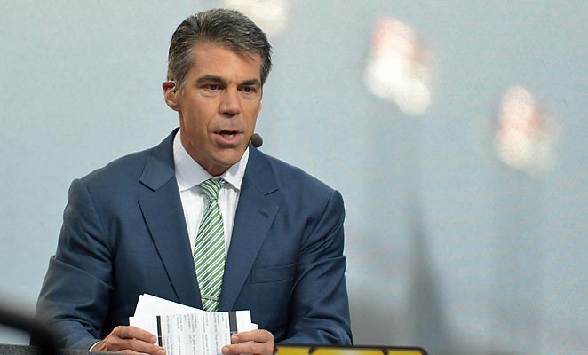 Chris Fowler will pull double duty next season, hosting College Gameday in addition to calling a game.