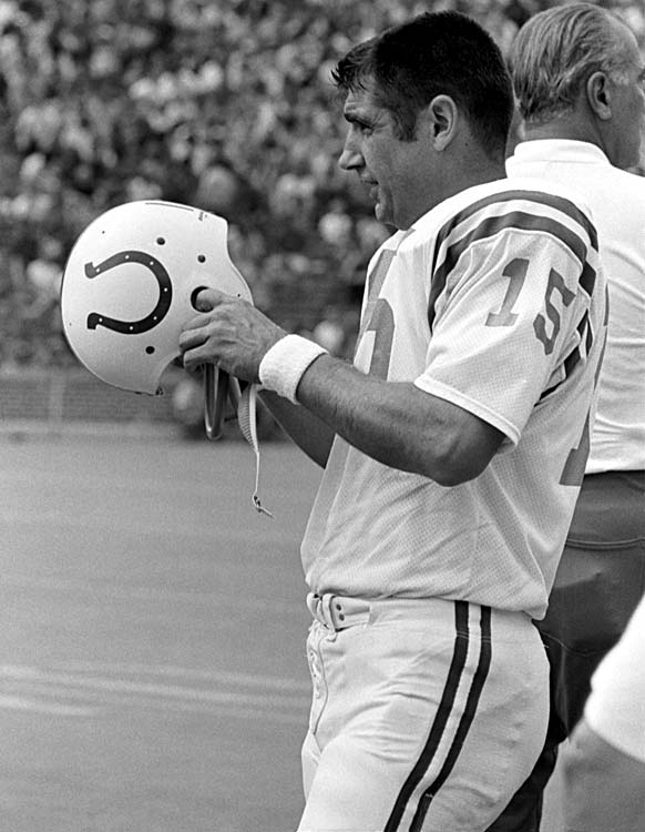 Morrall prepares to go back into the game during Super Bowl V against the Dallas Cowboys at the Orange Bowl in Miami.