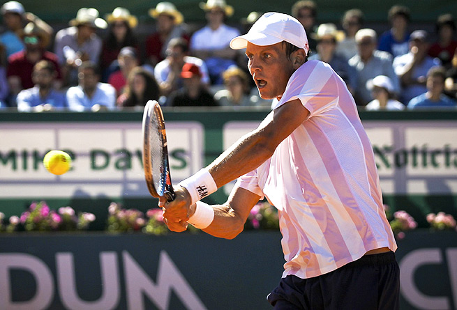 Tomas Berdych defeated Somdev Devvarman 6-3, 6-2, and will play Leonardo Mayer next.