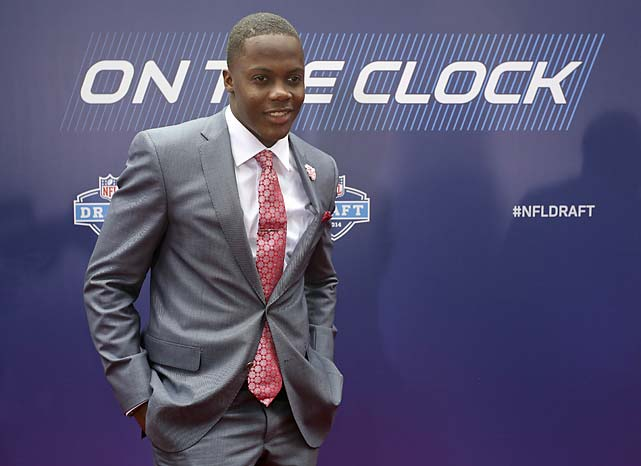 Louisville quarterback Teddy Bridgewater poses for photos upon arriving for the first round of the 2014 NFL Draft.