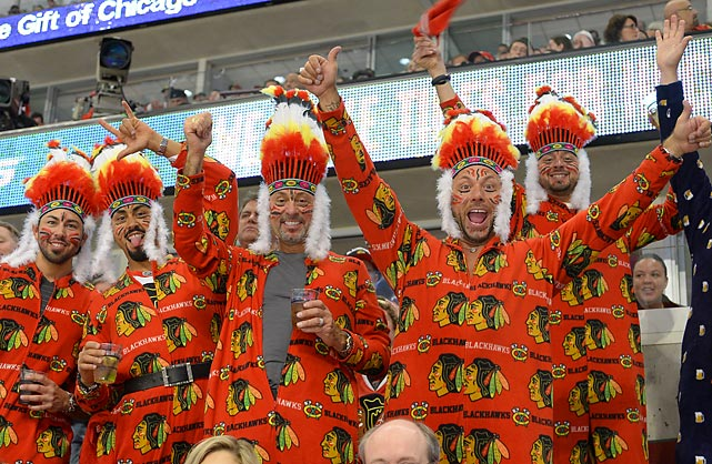 A tribe of Chicago's hockey faithful, wearing their favorite comfy pajamas, beautified a Cubs game against the St. Louis Cardinals at Wrigley Field.