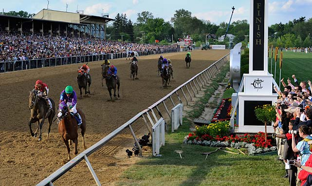 California Chrome paid $3, $3 and $2.40. Ride On Curlin returned $5.60 and $3.80, while Social Inclusion was another 6½ lengths back in third and paid $3.40 as the 5-1 second choice.