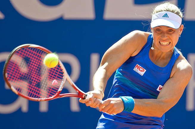 Angelique Kerber cruised past Marina Erakovic 6-4, 6-2 in the second round of the Nuremberg Cup