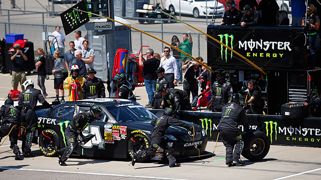 Racing truth: You can lean on the Hornish but the crew won't move until their work is done.