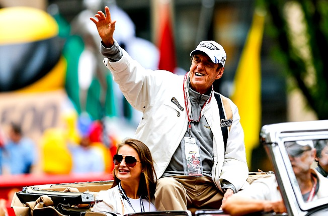 "Jim Nabors made an emotional final appearance to sing ""Back Home In Indiana"" before the race."